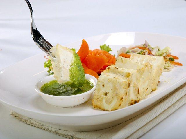 घर पर बनाएं स्वादिष्ट पनीर मलाई कबाब